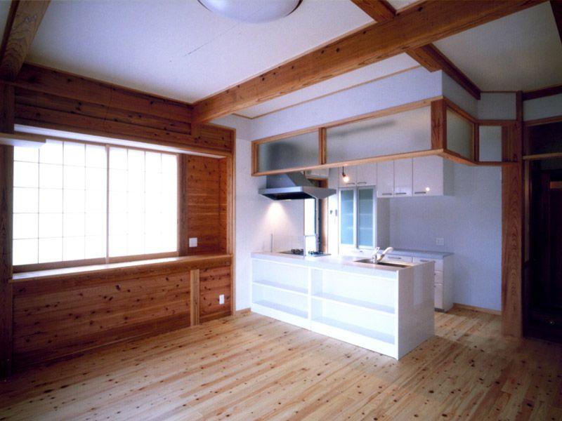 明るく開放的なキッチンとLDK